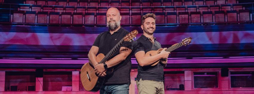 Abraham Ramos y Juan Sebastián Ramírez
